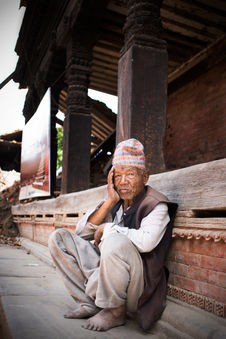 THE MAN WHO STARES THE EMPTINESS Bhaktapur