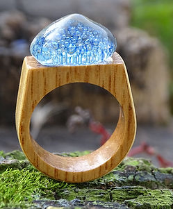 glass-and-wood-ring-2636613.jpg