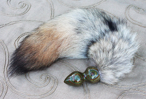 Pale Fox Tail & Forest-Dyed Plug