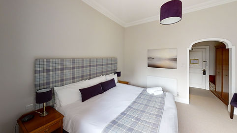 St-Mellons-Country-Club-Room-102-Bedroom