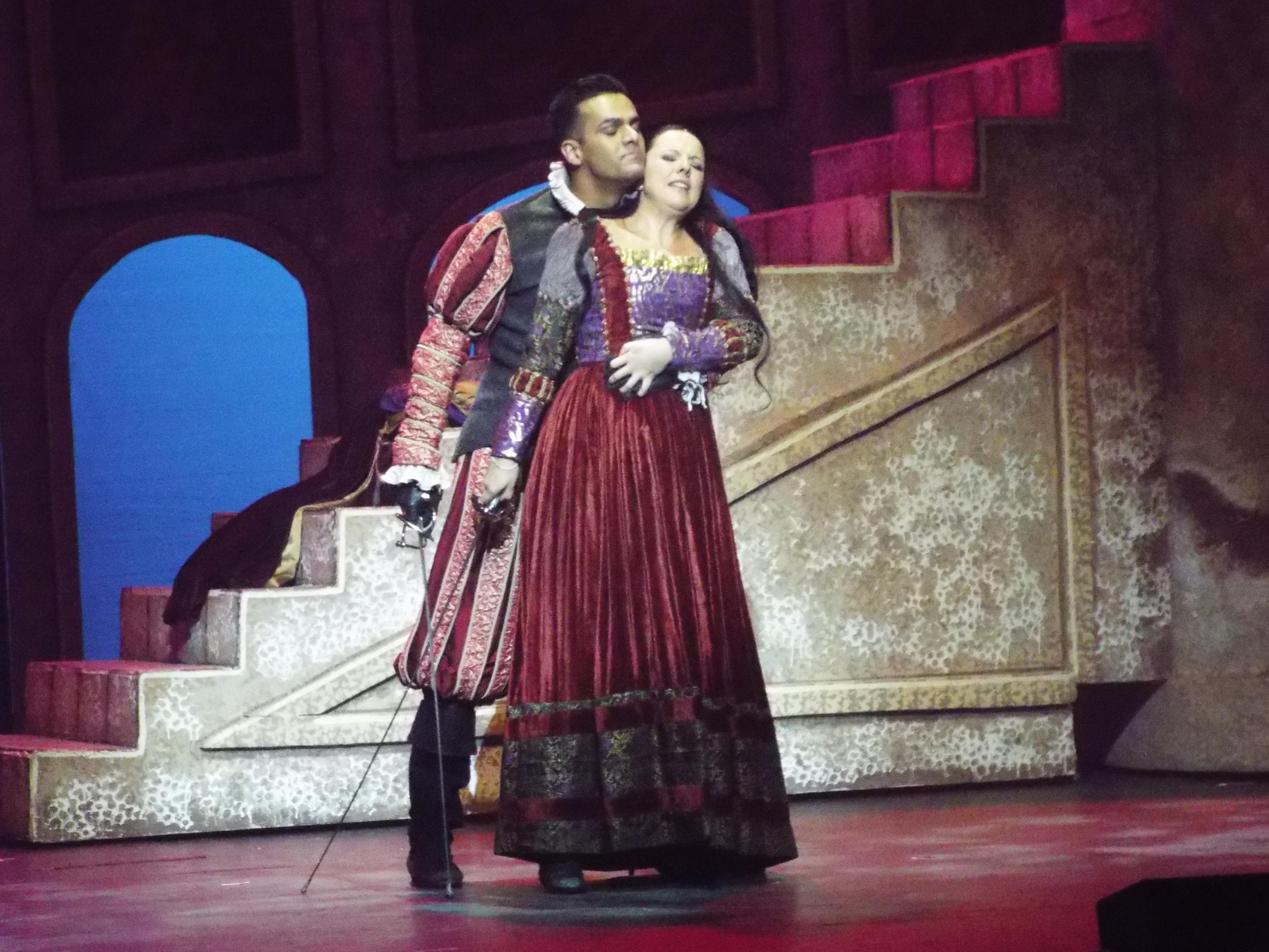 Tebaldo pelea con Julieta