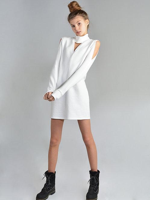 Укороченное платье с вырезами