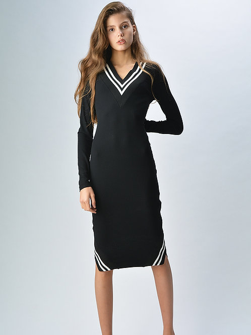 Платье с контрастными вставками