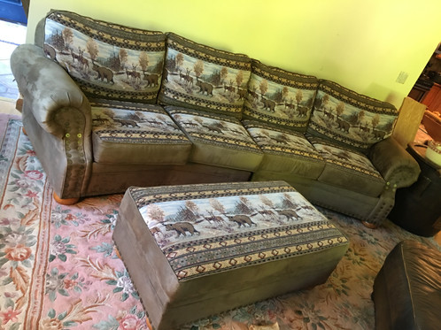 This Cabelas Couch Was Made By Marshfield Furniture And Is In Like New  Condition!!! This Couch Originally Retailed For $3,000 And Looks Brand New.