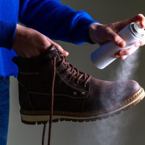 ¿Necesitas salir en cuarentena? Checa esta guía para limpiar tus zapatos