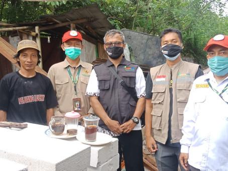 LAZISNA dan BAZNAS Bazis DKI Jakarta Bantu Sanitasi Layak untuk Masyarakat Kurang Mampu