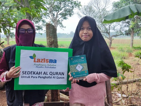 Penyaluran Sedekah Al Quran LAZISNA di Desa Cikarageman