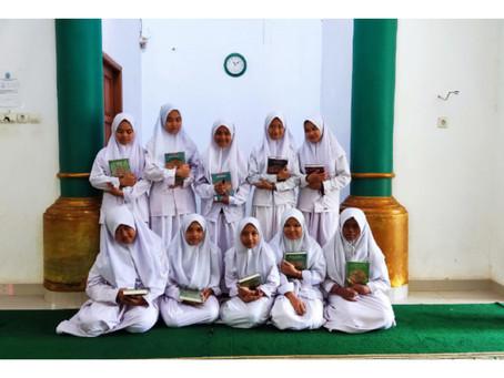 Dukung Semangat Menghafal Al Quran, LAZISNA Salurkan Sedekah Al Quran Di Pondok Pesantren Hidayatul