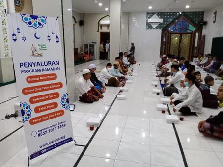 LAZISNA Sebarkan Ratusan Box Makanan Berbuka Puasa dibeberapa Titik Masjid di Jakarta