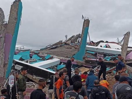 Gempa Magnitudo 5,3 Guncang Mamuju Tengah Rusak Sejumlah Rumah Warga Bahkan Rumah Sakit