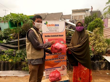 Relawan LAZISNA Distribusikan Puluhan Makanan Siap Santap untuk Korban Angin Puting Beliung