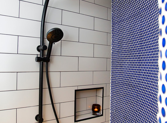 Woonoona Bathroom.jpg