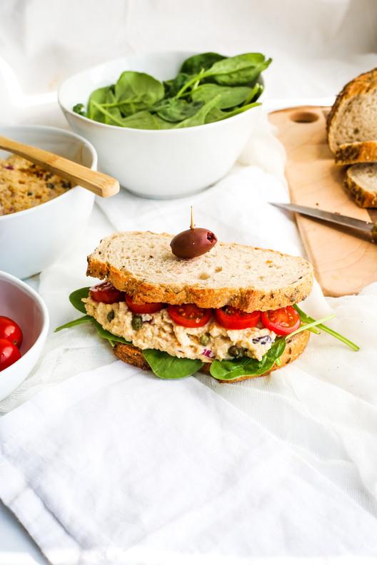 Sanduíche de atum vegan / Vegan tuna sandwich