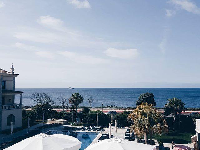 Waking up with this view 🍃☉🌊_#hotelgranderealvillaitália