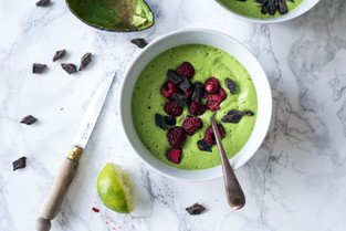 Smoothie bowl for glowing skin!