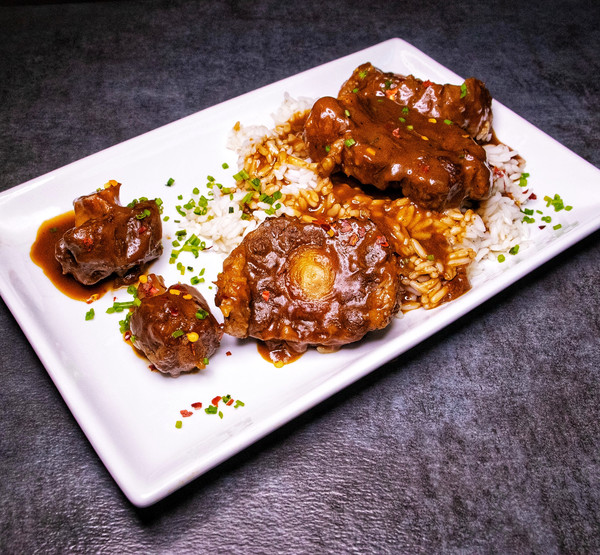 BAR 2200 Smothered Oxtails