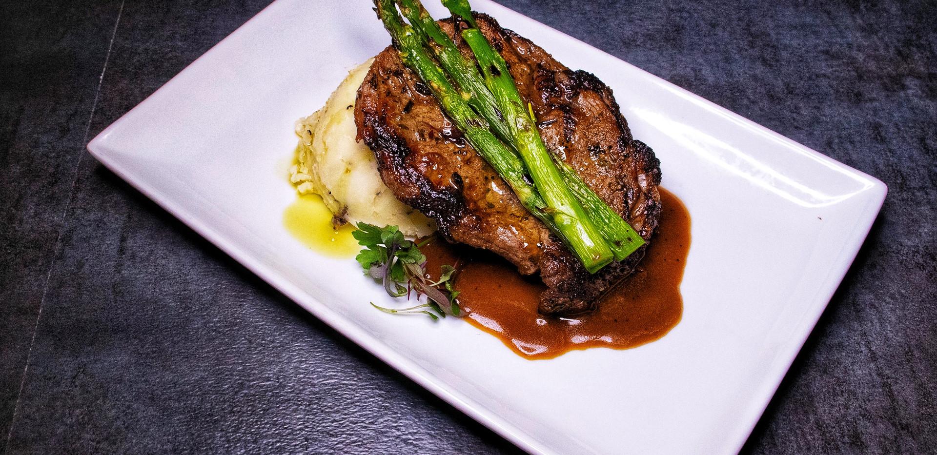 BAR  15oz Juicy Steak