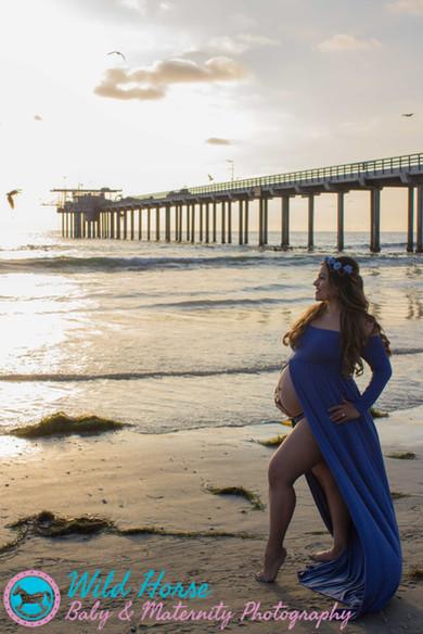 La Jolla pier maternity photo session sa