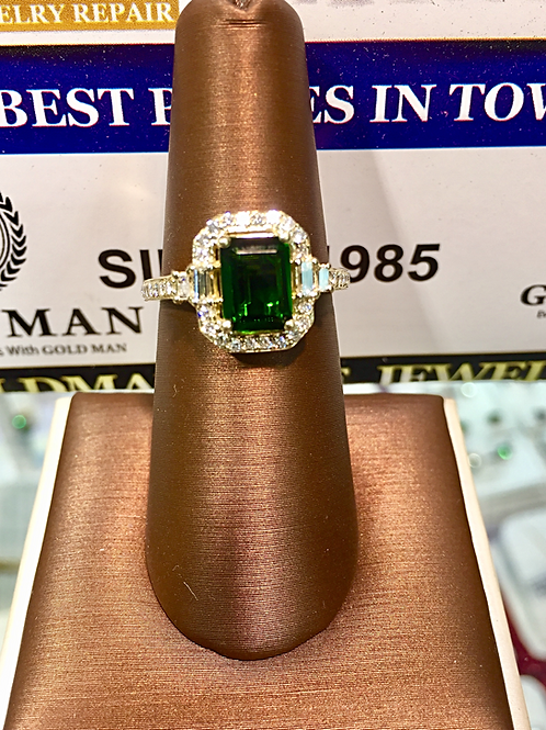 14k Yellow Gold Emerald/Diamonds Ladies Ring (Online Price Only)