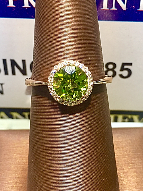 14K Yellow Gold 0.10ct. Diamonds/ 140pr. Peridot Ladies Ring #303935