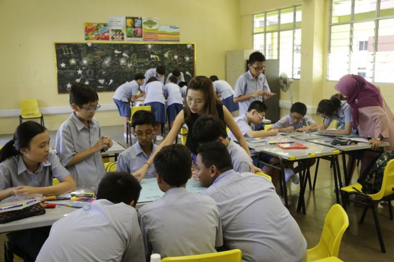 https://www.straitstimes.com/singapore/schools-to-cut-mid-year-exams-for-some-levels-primary-1-and-2-pupils-will-not-be-graded-or
