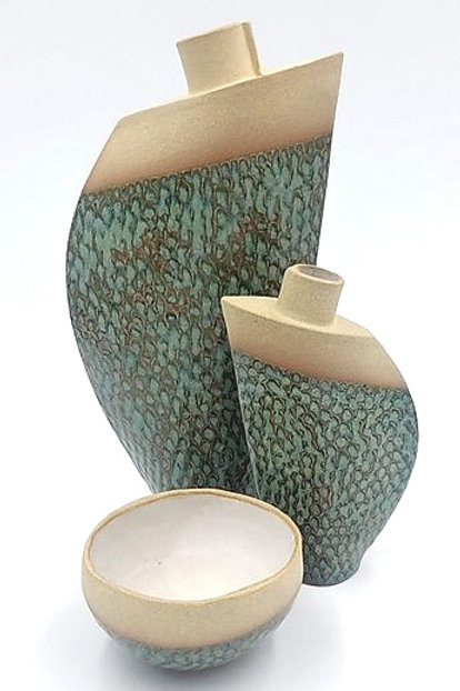 Set of 2 vases and bowl