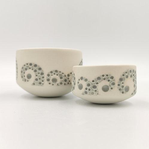 Pair of small semi-porcelain bowls
