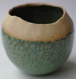 Fish scale coil pot