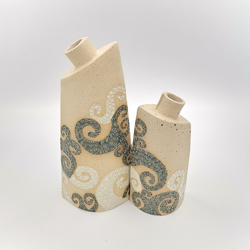 'Wave design' vases