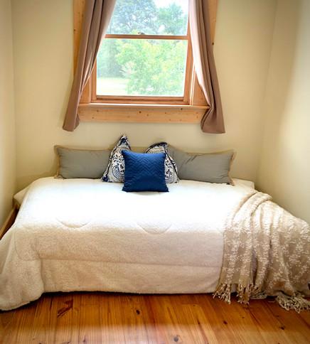 Twin Bed 2.jpg
