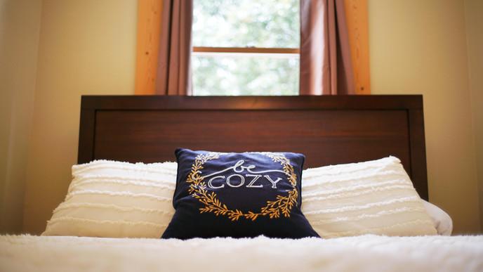 Queen Bed 3.jpg