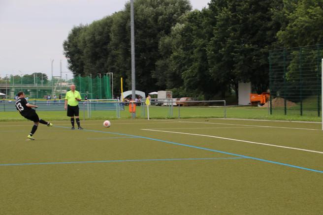 Pokalspiel der Ersten gegen die SG Weixdorf 2