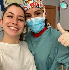 Paciente Invisalign en Algeciras con coordinadora dental.