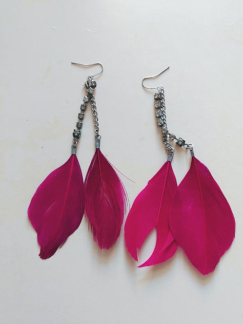 red feathers earring