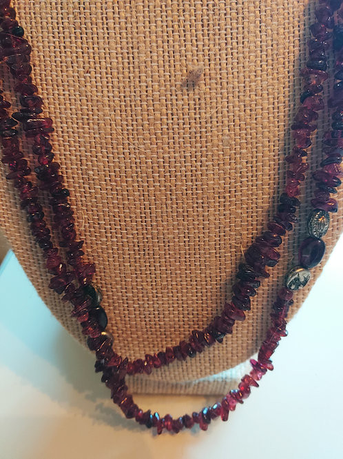 Brown beads necklace & silver leave closer