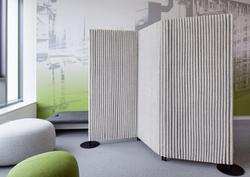 proyecto interiorismo oficina global design hub barcelona 11 meeting rooms acústicos, huddle room