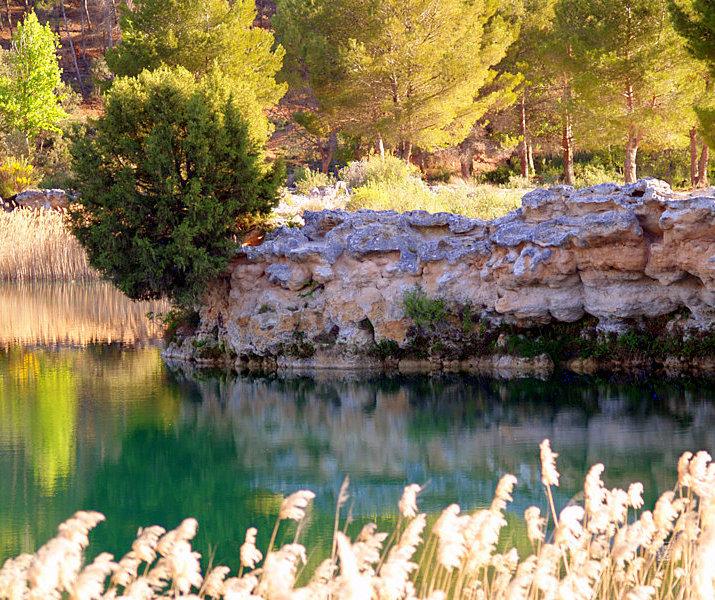 Fotos de nuestras casas rurales en las Lagunas de Ruidera, Ossa de Montiel, Alojamiento Rural Parque Natural de las Lagunas de Ruidera. Casas rurales de alquiler completo con piscina. Calidad a bajo precio. Consulte nuestras ofertas