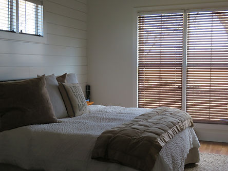 Faux Wood Blind | Manchester, TN