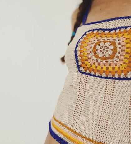 Lia JOY, slow fashio, square top crochet