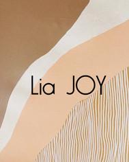 Lia JOY, knitwear fashion, fiber artist