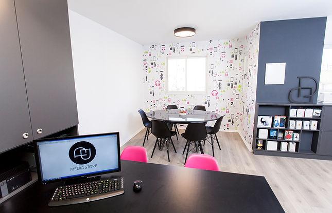 עיצוב משרדים - מדיה סטור