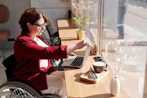 photo-of-woman-using-laptop-4063619.jpg