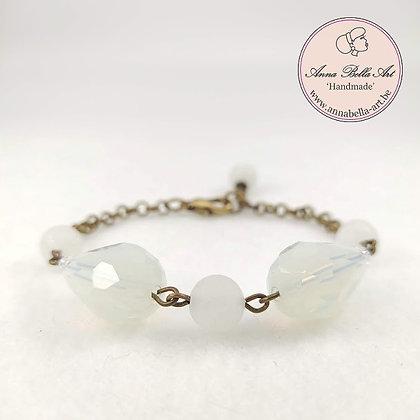 Anna Line druppel armband - Wit kristal en natuursteen & brons