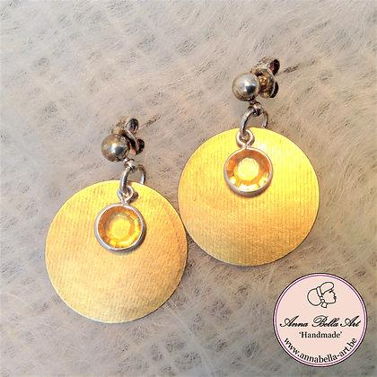 Anna oorbellen - Goudkleurig schijfje met gouden kristalparel