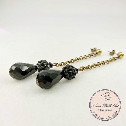 Anna Line druppel oorbellen - Zwart kristal en Swarovskiparel - brons
