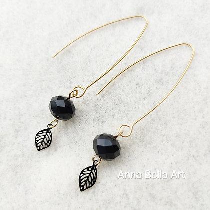 Anna Line Swarovski kristal oorbellen met blaadje - Zwart - Goudkleur