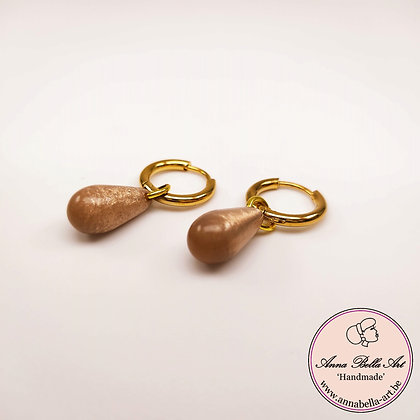 Anna Line natuursteen druppel oorbellen - licht bruin - goud