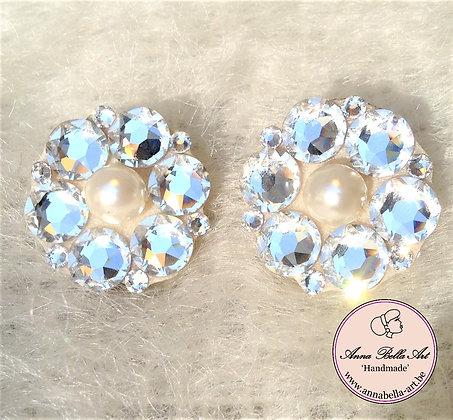Bella Nora Bloemoorbellen Swarovski Diamant met parelmoerparel wit 2,5 cm