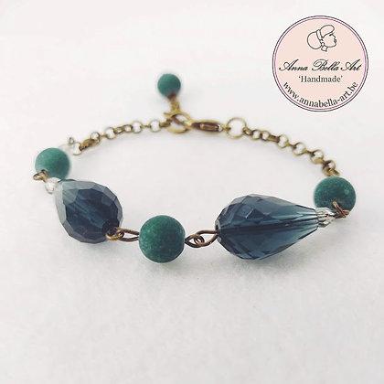 Anna Line druppel armband - Donker aquamarijn kristal en natuursteen - brons