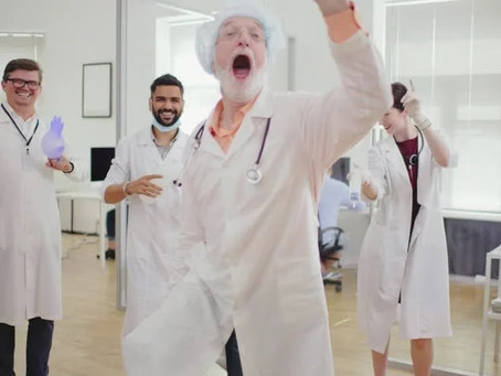 Crazy Surgeon Dancing
